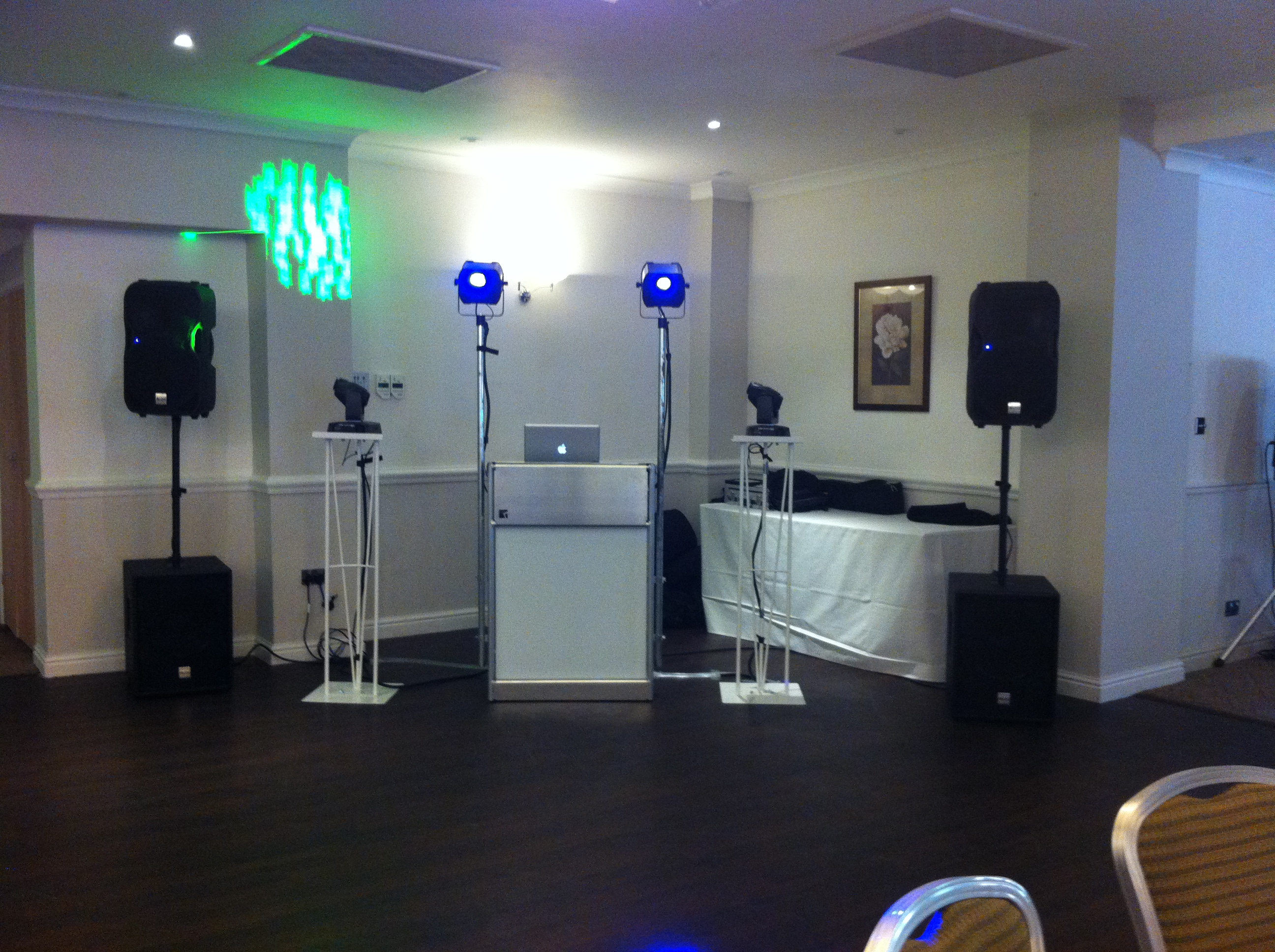 Mobile Disco And DJ In Cheltenham Gloucestershire